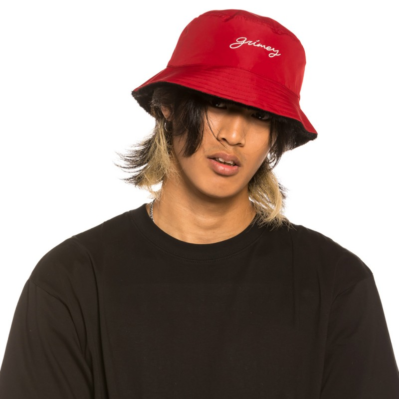 """Gorro Reversible Grimey """"Martinica Fact"""" - Red/Black   Fall 21"""